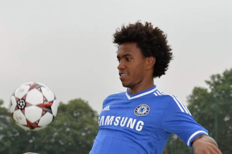 Chelsea confirma Willian por cinco épocas