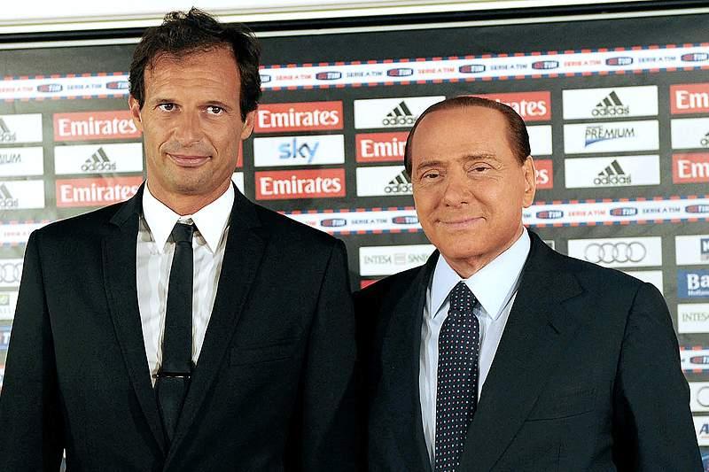 Berlusconi promete presentes de Natal a Allegri