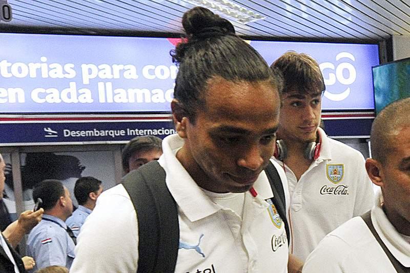 Inter insatisfeito com Álvaro Pereira