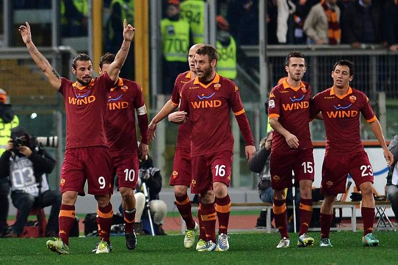 AS Roma vence (4-2) AC Milan