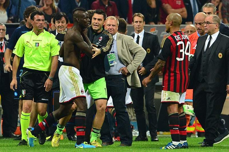 Allegri aconselha Balotelli a sair de campo «de boca fechada»