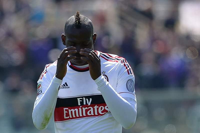 Balotelli suspenso por três jogos por