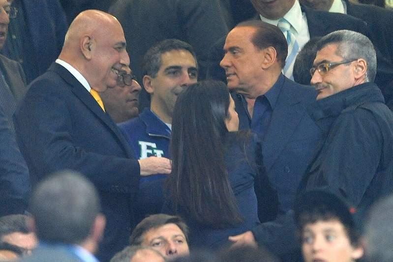 Berlusconi condenado a quatro anos de prisão