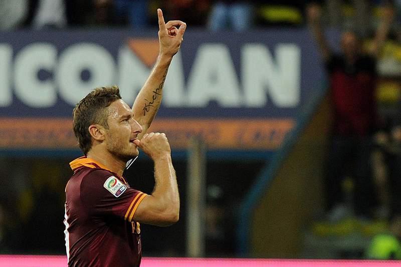 Roma vence Parma e junta-se ao Nápoles na liderança