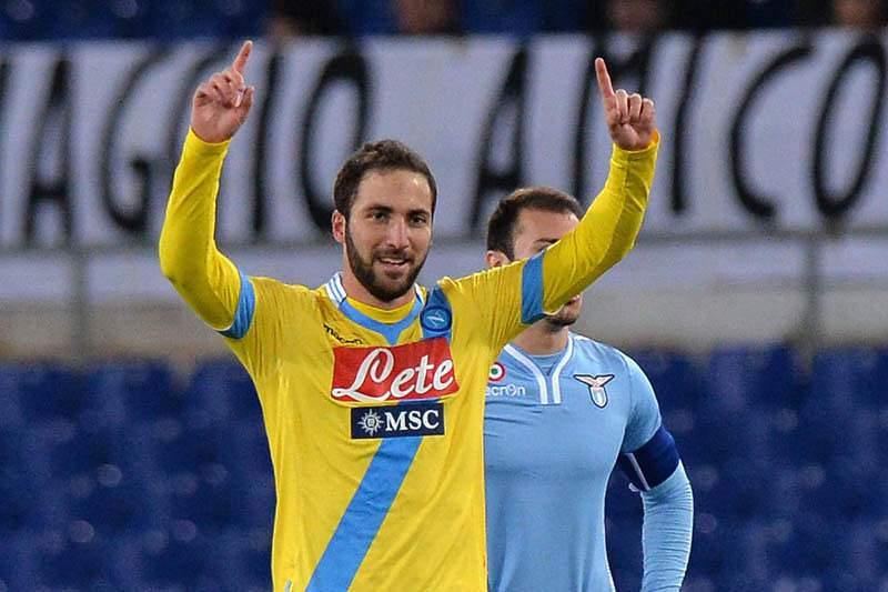 Nápoles e Inter perdem terreno para a Juventus