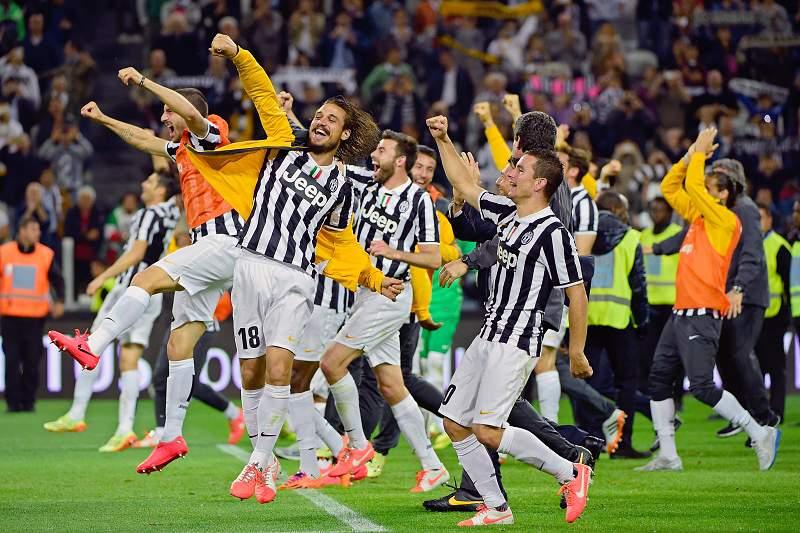 Juventus bate Atalanta em dia de celebração do 30.º título de campeão
