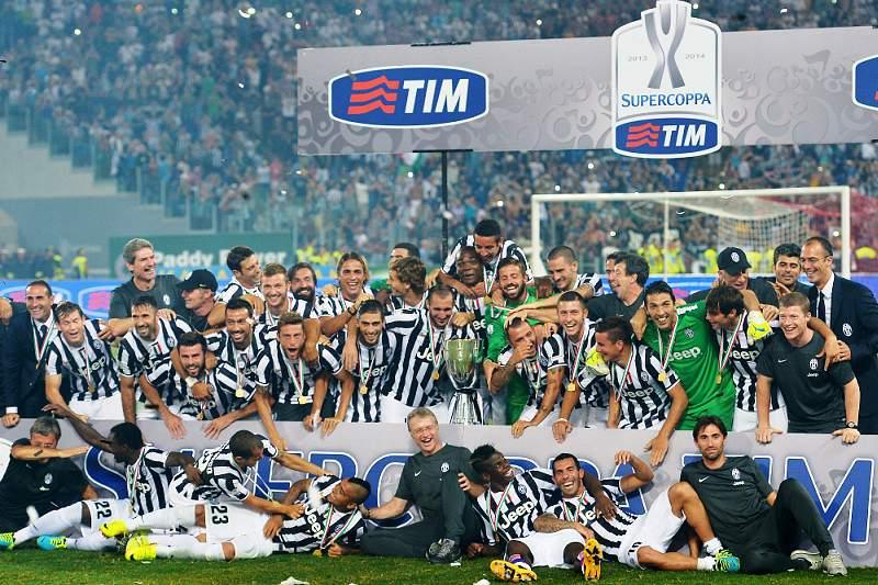 Juventus arrasa Lazio na Supertaça