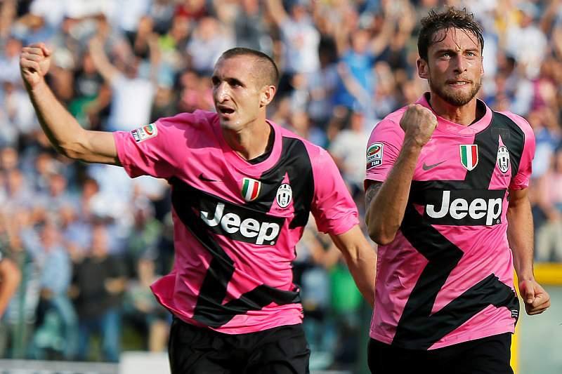 Juventus vence e assume liderança provisória