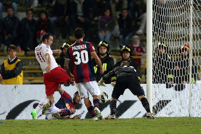 AC Milan vence Bolonha e sobe a sexto