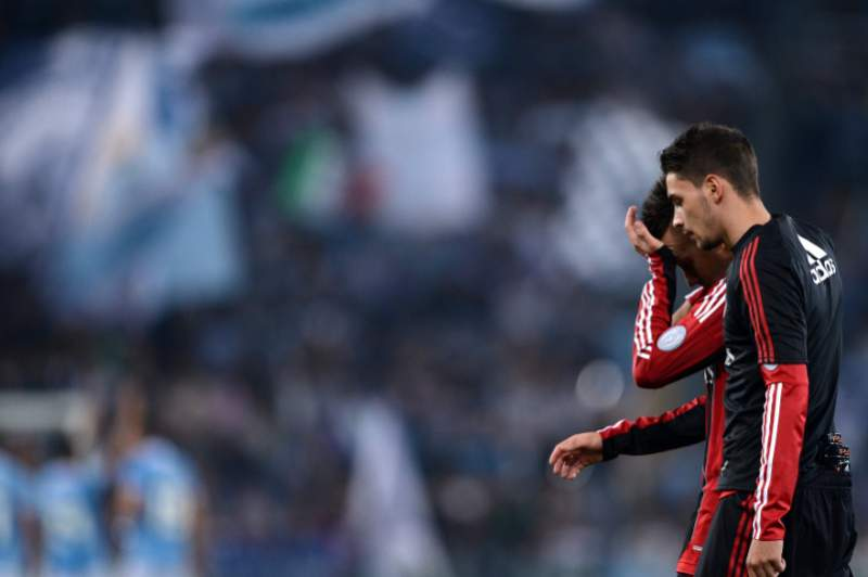 Milan perde e fica a 15 pontos do líder