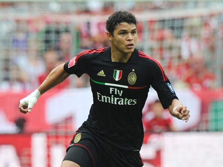 Thiago Silva renova até 2017