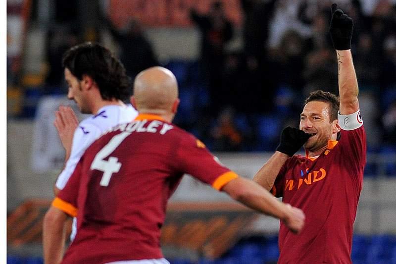 Totti iguala o segundo melhor marcador de sempre no