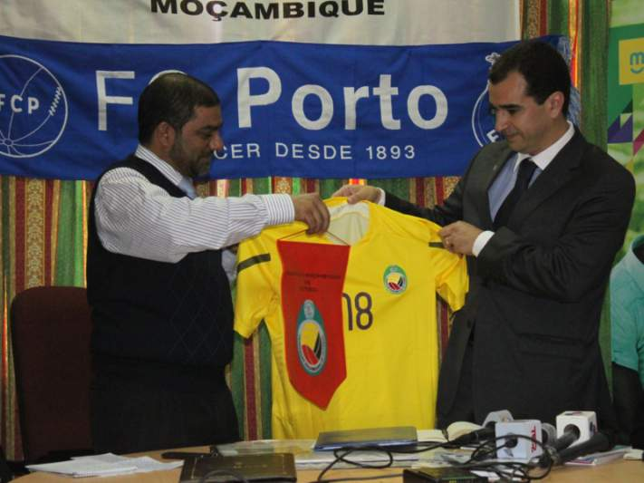 Mambas poderão receber FC Porto em 2013