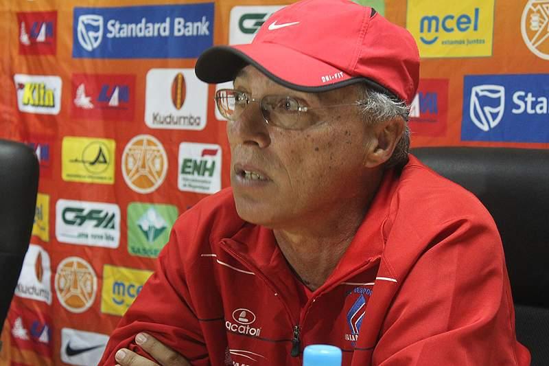Arnaldo Salvado suspenso por um mês