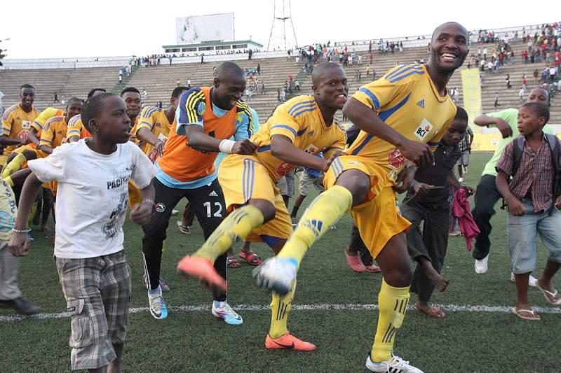 Ferroviário de Maputo e Costa do Sol empatam em jogo animado
