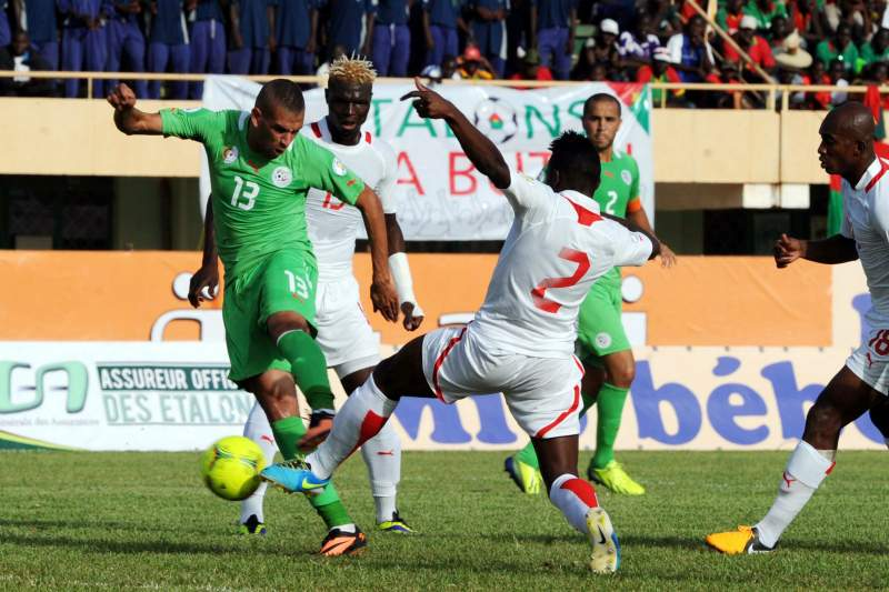 Argélia bate Burkina Faso e qualifica-se para o Mundial