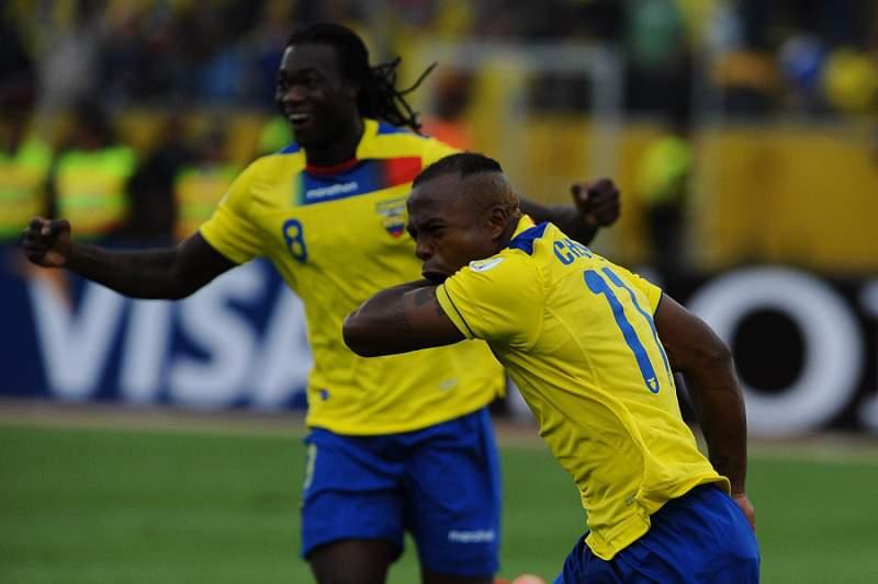 Segundo Castillo e Carlos Gruezo nos 23 do Equador