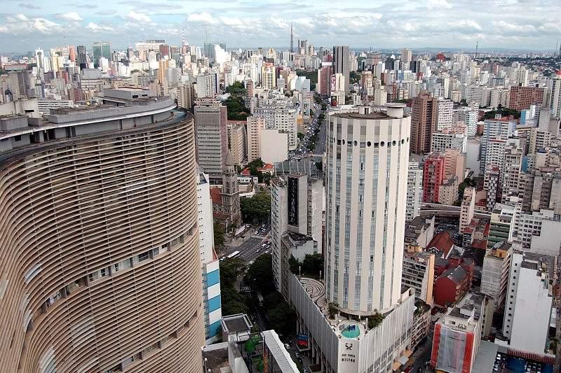 Greve de motoristas de autocarro gera caos no trânsito de São Paulo