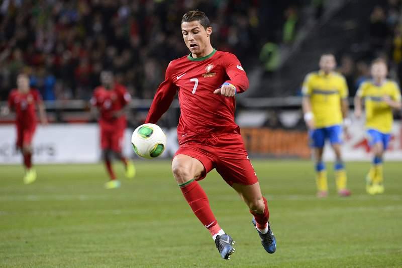 Ronaldo reforça candidatura à Bola de Ouro