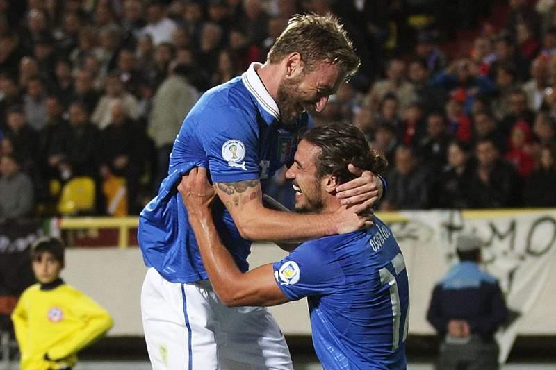 PSG confirma interesse em De Rossi