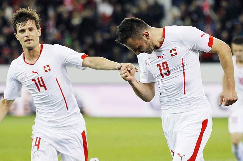 Drmic dá a vitória à Suíça frente à Jamaica