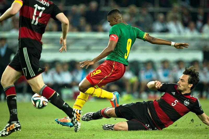 Camarões impõem empate à Alemanha