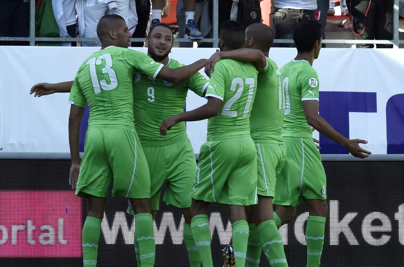 Ghilas e Slimani marcam na vitória da Argélia