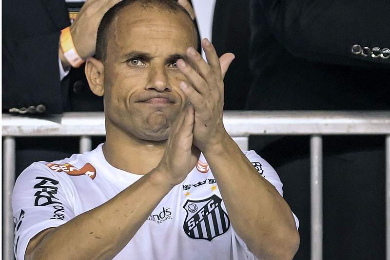 Léo, ex-Benfica, coloca ponto final na carreira
