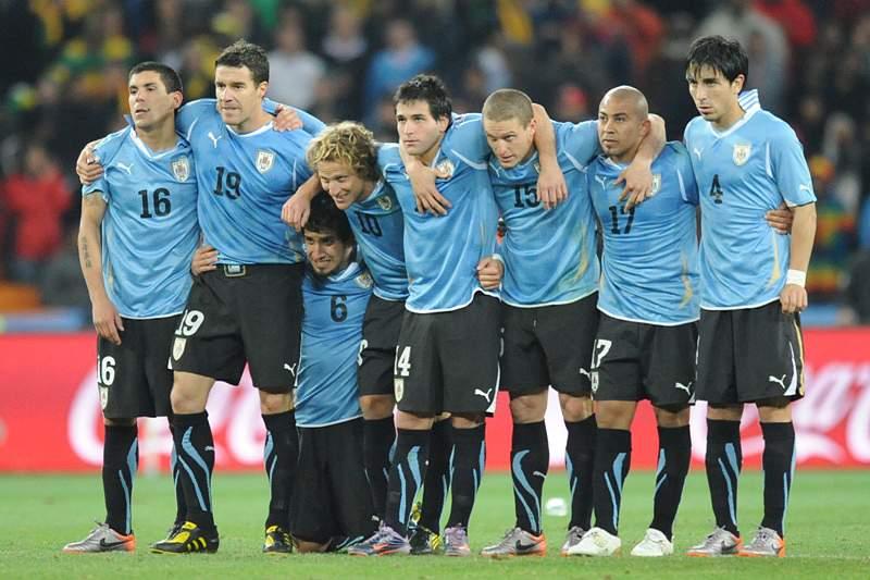 Uruguai bate Colômbia na corrida ao Mundial