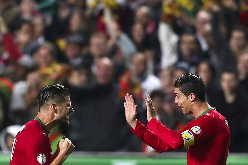 Cristiano Ronaldo a três golos do recordista Pauleta