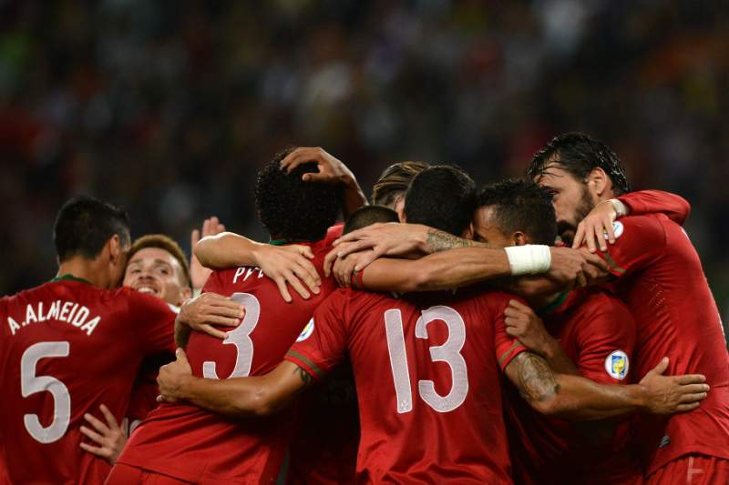 Portugal desilude e não garante play-off