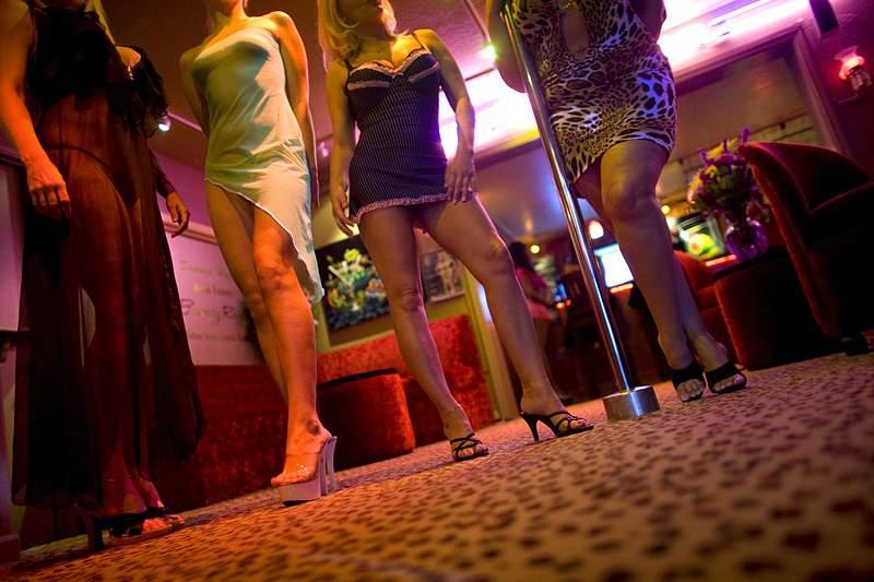 Prostitutas brasileiras aventuram-se em novas línguas