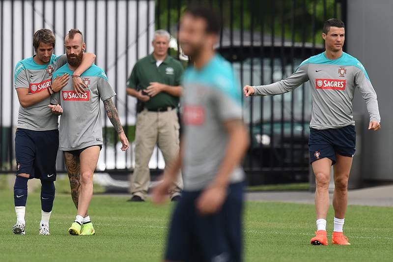 Ronaldo e Meireles regressam aos treinos de Portugal