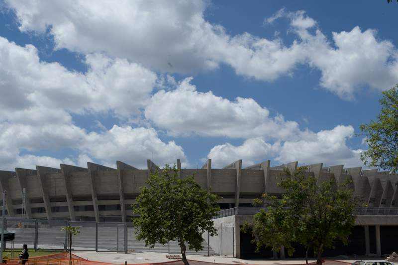 """Estádio """"Mineirão"""" inaugurado no Brasil"""
