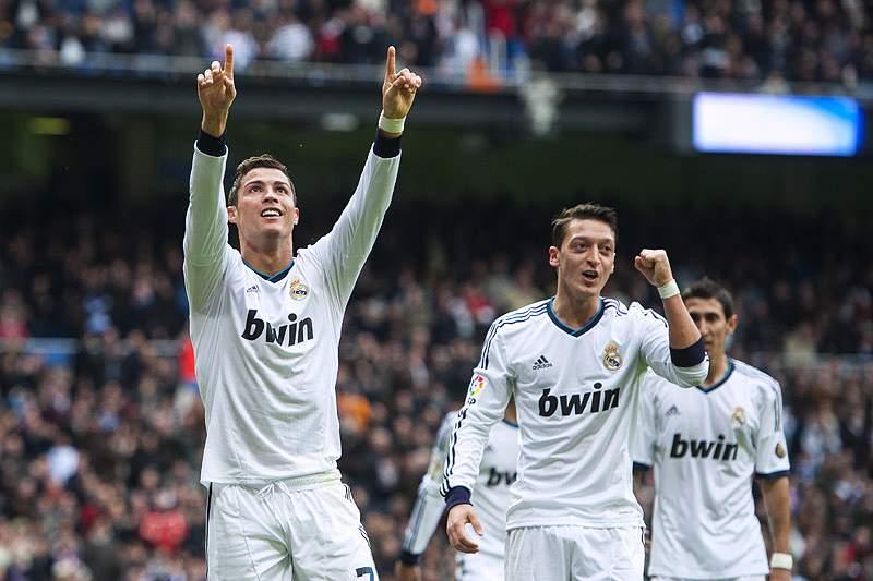 Cristiano Ronaldo passou os 300 golos por clubes