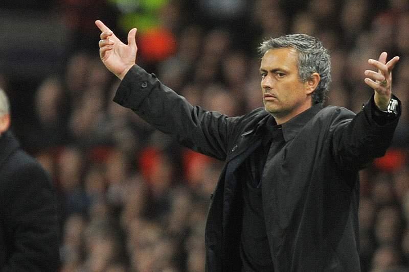 Abramovich triplica salário de Mourinho