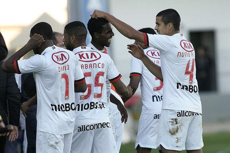 Olhanense anuncia dois reforços brasileiros