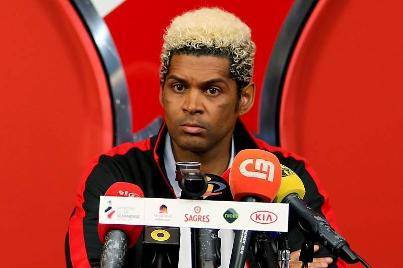 Abel Xavier garante equipa mais forte frente ao Paços de Ferreira