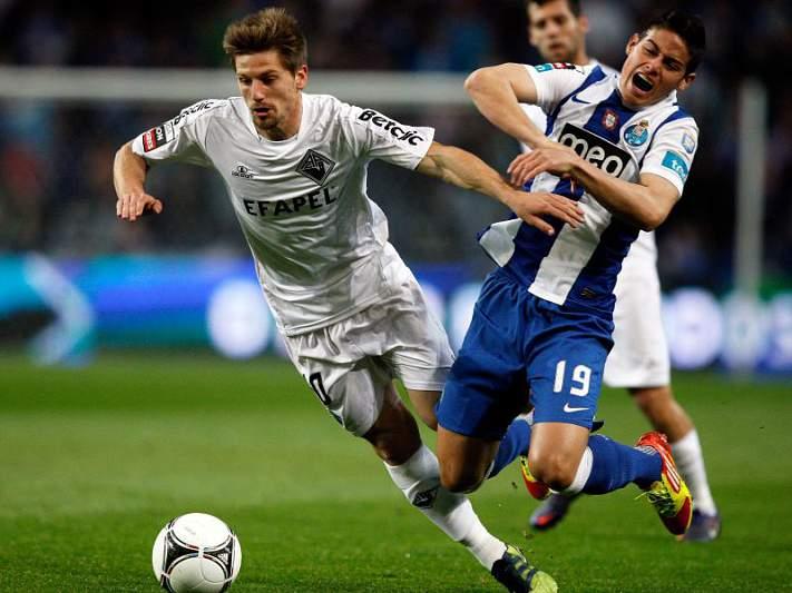 FC Porto, sem Hulk, tenta manter liderança na Choupana