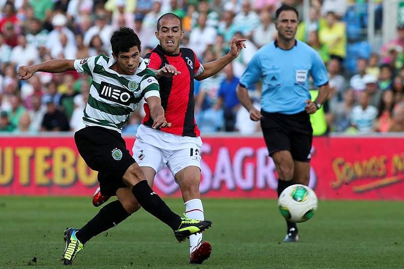 Sporting vence jogo animado em Olhão