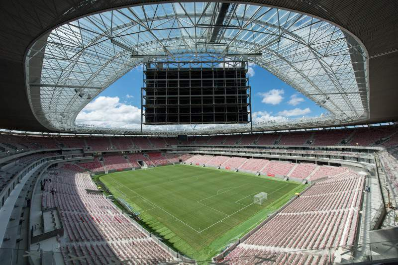 Governo brasileiro admite atrasos na construção de três estádios