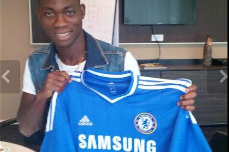 Chelsea confirma contratação de Atsu