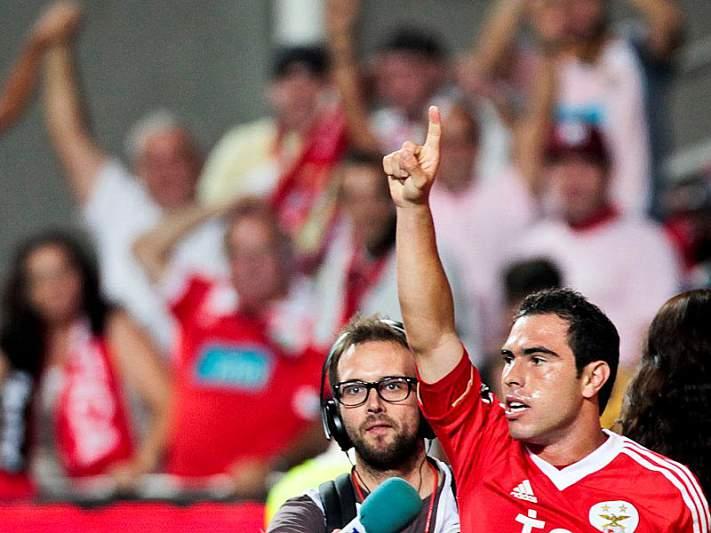 Benfica com onze novo em Portimão