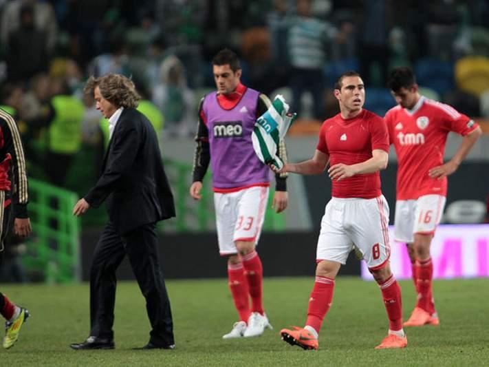 Ex-Benfica assina pelo Palmeiras