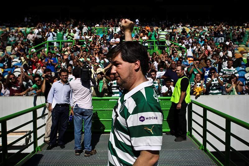 Sporting renova contrato com Iuri Medeiros até 2019
