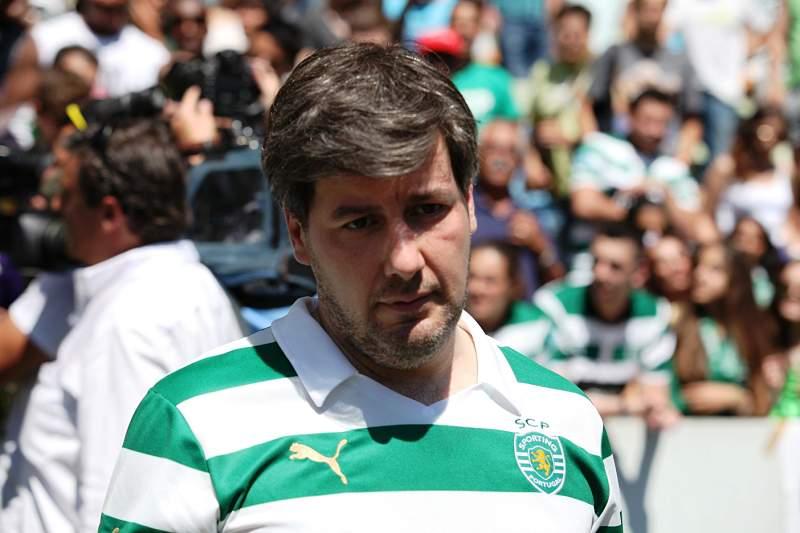 «William Carvalho tem de ir passo a passo»