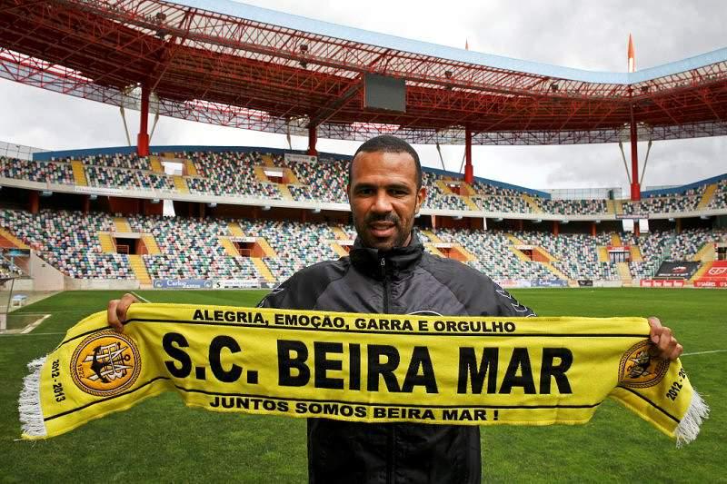 Costinha chamou todos os disponíveis para receção ao Benfica