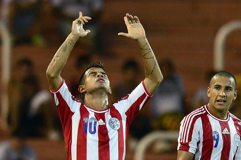 Jogador do Benfica B em destaque no Paraguai-Chile