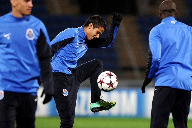 Diego Reyes convocado para particular do México