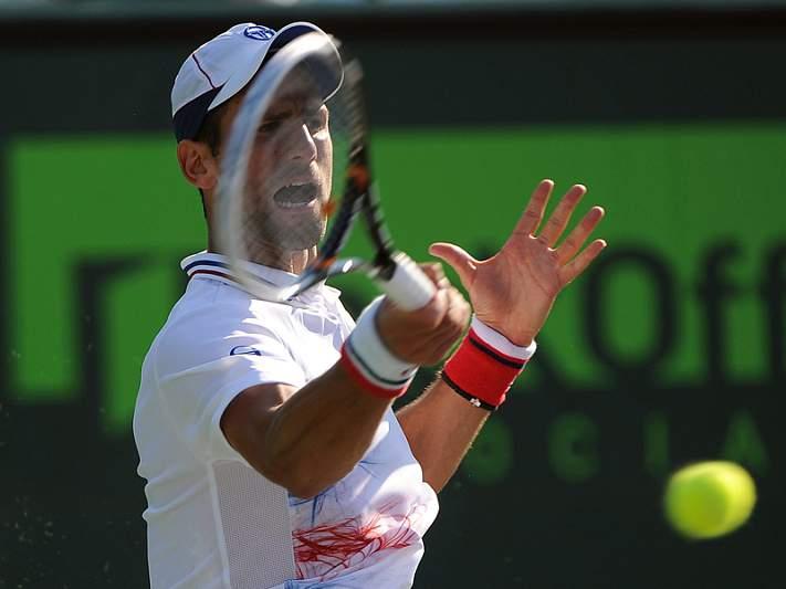 Djokovic decide passagem à final com Gulbis